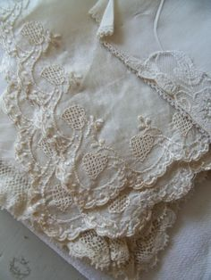 Beautiful lace ~~ Fågel Blå: Söndag...