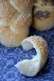 Das Mädel vom Land: Faszinierende Flesserl Bread Recipes, Hamburger, Low Carb, Baking, Cook, Cake Ideas, Chef Recipes, Breads, Bakken