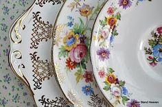 pretty shabby chic plates...wish they were mine!
