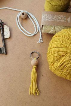 DIY Macramé - Porte-clés macramé - Fils coton Run the Cord - Maille Name is - Kesi'Art