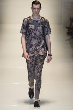 Catwalk photos and all the looks from Gucci Spring/Summer 2014 Menswear Milan Fashion Week