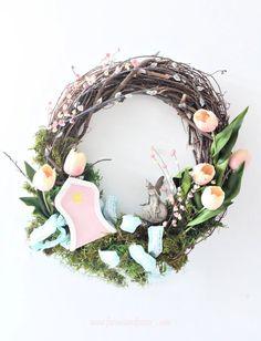 DIY Colourful Spring Wreath with a Fairy Garden Theme. A pretty fairy door and fairy adorns this fairy garden in a wreath. Wreath Crafts, Diy Wreath, Wreath Making, Spring Home Decor, Spring Crafts, Easter Crafts, Crafts For Kids, Crown Crafts, Diy Spring Wreath