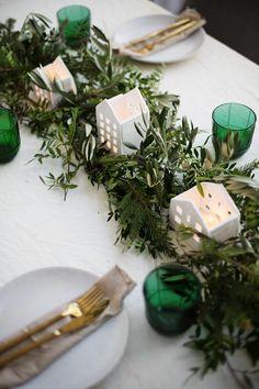 DIY Festive Tea light Houses with Yankee Candle Diy Candle Holders, Diy Candles, Scented Candles, Advent, Xmas Table Decorations, Scandinavian Christmas, Tea Lights, Christmas Crafts, Christmas Movies