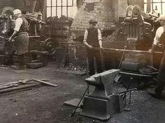 Horwich Locomotive Works of the Lancashire & Yorkshire Railway Company Blacksmithing Ideas, Blacksmith Shop, The Old Days, Factories, Locomotive, Wrought Iron, Old Photos, Yorkshire, Homesteading