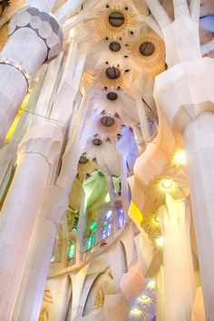 Everything you need to know for a visit to Barcelona's La Sagrada Familia. Interior & exterior photos, tips for visiting, plus the best time of day experience Antoni Gaudi's masterpiece. Art Nouveau, Antoni Gaudi, Famous Architects, Amazing Architecture, Modern Architecture, Animal Quotes, Funny Art, Interior And Exterior, Photos