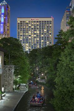 hotels by the riverwalk