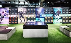 A whole new seamless shopping experience we created for sports brand Nike at the flagship store in Berlin. Web Banner Design, Nike Retail, Tennis Shop, Exibition Design, Digital Retail, Jewellery Showroom, Experiential Marketing, Interactive Installation, Retail Experience