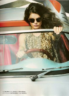 driving Muse in a 550 Porsche replica if u know this car are young and beautiful contAct me!