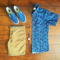 Stylish Mens Clothes That Any Guy Would Love Designer mens clothes have gained more and more popularity over the last few years. Cool Outfits, Summer Outfits, Casual Outfits, Men Casual, Fashion Outfits, Mens Cruise Outfits, Fashion Clothes, Fashion Boots, Fashion Accessories
