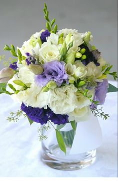 ok i love this except with purple flowers intead of blue.  Just in case my dream of Calla Lillies falls through...