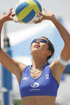 【ビーチバレー】浦田聖子(うらた さとこ)さんの画像177枚 - NAVER まとめ Female Volleyball Players, Women Volleyball, Beach Volleyball, Athletic Events, Naver, Lady, Bikinis, Athletes, Balls