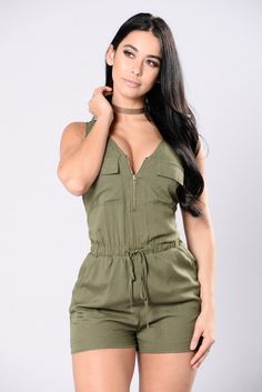 New fashion nova jumpsuit olives Ideas Short Outfits, Trendy Outfits, Summer Outfits, Cute Outfits, Cute Fashion, New Fashion, Fashion Beauty, Fashion Show Dresses, Fashion Outfits