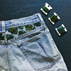 27 Ideas for sewing jeans diy awesome Painted Jeans, Painted Clothes, Diy Clothes Paint, Clothes Crafts, Diy Clothes Design, Diy Clothing, Custom Clothes, Customised Clothes, Diy Leather Sandals