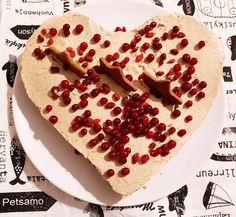 Sokeriton juustokakku joulupöytään! Ihana luumukakku valloittaa perheen pienimmätkin Waffles, Breakfast, Food, Breakfast Cafe, Essen, Waffle, Yemek, Meals