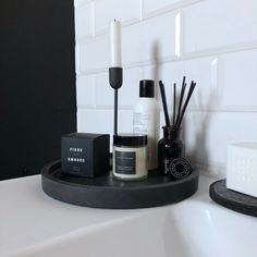 Excited to share the latest addition to my shop: Large Concrete Tray / Round Tray Black / Catchall Tray / Vanity Tray / Modern Tray Decor / Concrete Bathroom Tray / Stylish Gift for Him Bathroom Counter Decor, Black Bathroom Decor, Black Decor, Bathroom Interior, Bathroom Vanity Tray, Bathroom Candles, Man Bathroom, Kits Lavabo, Black Tray