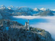 Stunning winter photo of Neuschwanstein Castle, Bavaria, Germany