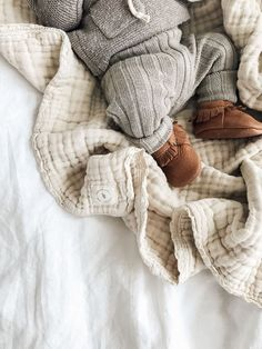 Natural Gauze Blanket - jessica h - Kindermode Baby Outfits, Newborn Outfit, Baby Newborn, Newborn Boy Clothes, Cute Kids, Cute Babies, Baby Co, Baby Baby, Baby Arrival