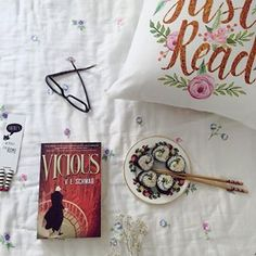 Ava Zulal (@bloomsbery) • Instagram photos and videos Vicious Ve Schwab, Ava, Photo And Video, Reading, Videos, Books, Photos, Instagram, Libros
