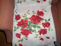 Vintage feedsack Fabric Red Roses cottage chic cotton quilt feedbag ecellent wow