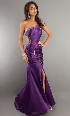 Check Out 25 Sexy Prom Dresses For Women. The most popular sexy prom dresses are satin, sequined, vintage and the little black dress as well as the hanky hem, the short and spicy prom dress and the classic Cinderella ball gown. Purple Ball Dresses, Purple Dress, Sexy Dresses, Beautiful Dresses, Prom Dresses, Dress Prom, Dresses 2016, Purple Satin, Dark Purple