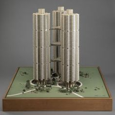 River City I, Chicago, IL, Model by Bertrand Goldberg