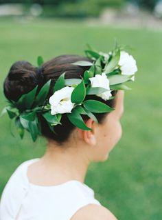 Simple flower crown: http://www.stylemepretty.com/2013/06/17/bronx-wedding-from-charlotte-jenks-lewis-hatch-creative-studio/ | Photography: Charlotte Jenks Lewis - http://charlottejenkslewis.com/