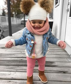 Je suis clairement ta plus grande fan ? outfit for kids and women Cute Little Girls Outfits, Kids Outfits Girls, Toddler Girl Outfits, Cute Kids Fashion, Little Girl Fashion, Toddler Fashion, Cute Baby Pictures, Cute Baby Clothes, Cute Babies