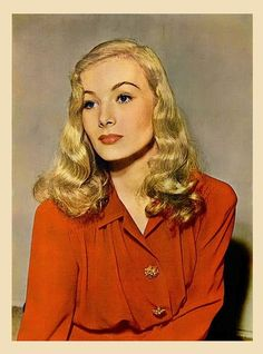 Style Icon - VERONICA LAKE vintage hollywood glamour photo actress by Christian Montone, Katharine Hepburn, Audrey Hepburn, Veronica Lake, Old Hollywood Stars, Vintage Hollywood, Hollywood Glamour, Hollywood Icons, Classic Hollywood, Ingrid Bergman