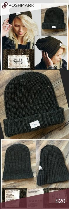 Free People Charlie Cuff Beanie- Green Free People Charlie Cuff Beanie  Color- Green( last pic shows close up🔍.. tiny flecks of gold & plum thru out pattern.. Cute thick knit FP hat... 50%Acrylic/40%Nylon/10%Wool.. Excellent Condition ✅ OSFM Free People Accessories Hats