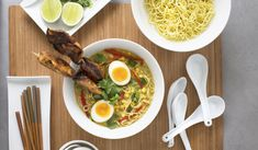 Peanut Chicken Satay Ramen from the Ramen Noodle Cookbook. This rich ramen bowl is inspired by the flavours of satay. Perfect for a weekend treat, this noodle dish is brilliant for lovers of Asian cuisine. Peanut Chicken, Chicken Satay, Chicken Skewers, Crispy Chicken, Chicken Curry, Ramen Bowl, Ramen Noodle, Noodle Dish, Peanut Butter Ramen