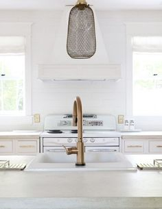 At Delta Faucet, our kitchen faucets, bathroom faucets and shower systems pair inspirational design with innovations that anticipate people's needs! Kitchen Faucets, Bathroom Faucets, Kitchen Reno, Kitchen Ideas, Kitchen Design, White Kitchen Inspiration, Small White Kitchens, White Wall Decor, Shabby Chic Style