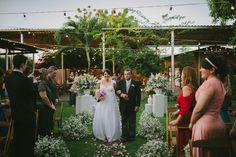 Se você é uma noiva que ama casamento ao ar livre e durante o dia, com muitas cores e ideias lindas e criativas prepare-se para salvar tudo na pastinha!