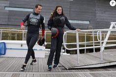 Kate Middleton, duchesse de Cambridge, a profité de sa visite de soutien au 1851 Trust à Portsmouth le 20 mai 2016 pour embarquer avec Ben Ainslie et son équipage (Ben Ainslie Racing) à bord du Solent, pour un entraînement en vue de la Coupe de l'America 2017. Kate a ensuite quitté l'équipe et est apparue décontractée (mais un peu décoiffée) vêtue d'un pull et d'un pantalon noir.