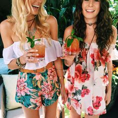 "473123793cf5 Show Me Your Mumu on Instagram: ""We're ready for you brunch babes! 🍹🍹  Follow us on snapchat (@showmeyourmumu) for more! #festivalkickoff16  #fourseasonsla"""