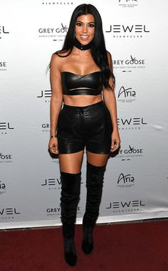 Kourtney Kardashian Shows Abs in Vampy Leather Outfit During Girls' Night Out in Las Vegas | E! News