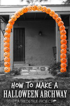 Check out this super easy way to make an impressive Halloween Pumpkin Archway! Check out this super easy way to make an impressive Halloween Pumpkin Archway! Halloween Outside, Soirée Halloween, Adornos Halloween, Holidays Halloween, Halloween Pumpkins, Vintage Halloween, Scream Halloween, Halloween Camping, Halloween Labels