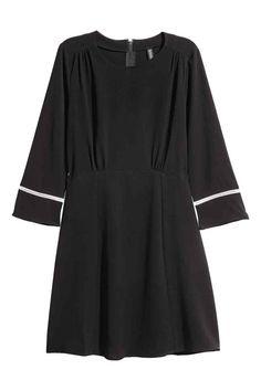 Krepové šaty - Černá - ŽENY | H&M CZ