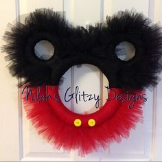 Custom Tulle Mickey Mouse Tulle Wreath by NilahsGlitzyDesigns Tulle Projects, Tulle Crafts, Wreath Crafts, Diy Wreath, Fun Crafts, Wreath Ideas, Disney Diy, Disney Crafts, Disney Christmas