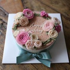 예쁜 민트칼라 리본 ~ #앙금플라워떡케익 #앙금플라워떡케이크 #앙금플라워케이크 #flowercake #ricecake #꽃 #flower…