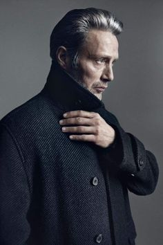 With cheekbones that could slice a finger and a steely glare to haunt your dreams, Mads Mikkelsen has been slowly cornering the market in Hollywood tough guys. The Dane is 6 feet of man… Hannibal Serie, Hannibal Lecter, Foto Portrait, Portrait Photography, Man Portrait, Baba Yaga, Hugh Dancy, Shooting Photo, Male Poses