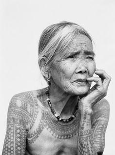 Tatoueurs, Tatoués: The Biggest Tattoo Art Exhibition In The World | http://www.yatzer.com/tatoueurs-tatoues-pascal-bagot / The last tattooed Kalinga woman, Philippines, 2011. © Jake Verzosa, artist's private collection.