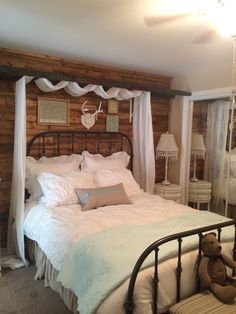 14 Fabulous Rustic Chic Bedroom Design and Decor Ideas to Make Your Space Special - The Trending House Bedding Master Bedroom, Bedroom Decor, Bedroom Ideas, Bed Ideas, Bedroom Designs, Decor Ideas, Gray Bedding, Decorating Ideas, Queen Bedding