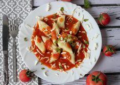 Soft potato and gluten-free flour dumplings with tomato and mozzarella sauce. Gluten Free Dumplings, Flour Dumplings, How To Make Dumplings, Potato Croquettes, Green Pesto, Gluten Free Flour, Tomato Sauce, Caprese Salad, Insalata Caprese
