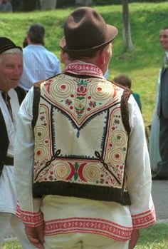The Eliznik website is dedicated to the study of the traditional peasant culture in Romanian and Bulgaria Frankenstein Costume, Young Frankenstein, Folk Costume, Costumes, Folk Clothing, Folk Embroidery, Ethnic Dress, Ethnic Fashion, Traditional Outfits