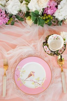 Fresh blooms, soft tulle and delicate crockery make for the prettiest tablescape don't you think? A Cheerful Wedding Brunch at 22 Dempsey: Navin and Vino