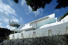 Mountains & Opening House / EASTERN Design Office / Япония
