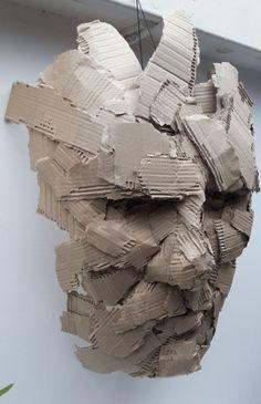 Visage carton cardboard portrait - Joël Abouzit Cardboard Mask, Cardboard Sculpture, Paper Mache Sculpture, Alberto Giacometti, Fantasy Kunst, Anime Kunst, Sculpture Head, Trash Art, Recycled Art