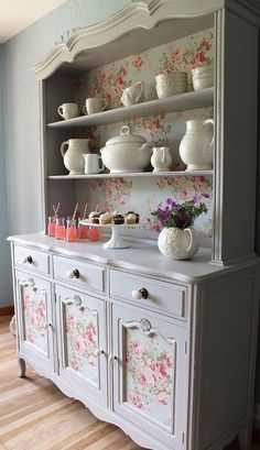 French country hutch china cabinet di LaVantteHome su Etsy- this looks like a great way to recycle outdated furniture. Paint and paper and new knobs! Refurbished Furniture, Repurposed Furniture, Shabby Chic Furniture, Furniture Makeover, Vintage Furniture, Painted Furniture, Rustic Furniture, Farmhouse Furniture, Painted Wood
