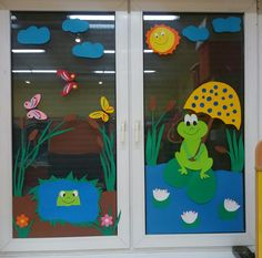 ideas for classroom Classroom Window Decorations, School Decorations, Classroom Decor, Diy And Crafts, Crafts For Kids, Paper Crafts, Display Boards For School, Paper Flower Backdrop, Spring Crafts