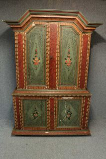 Kurbits decorated 19th century cabinet from Jamtland, Sweden